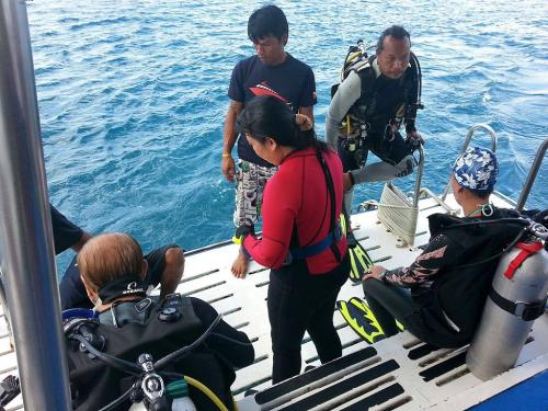 Andaman Tritan - Dive Platform