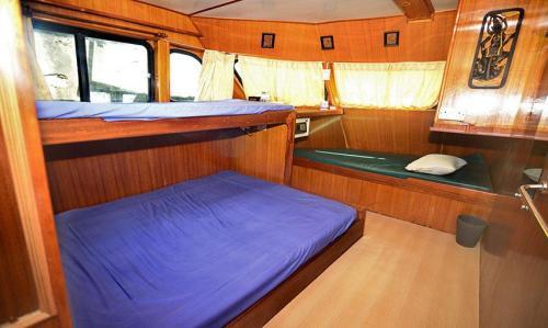 Andaman Tritan - Master Cabin (Main Deck)