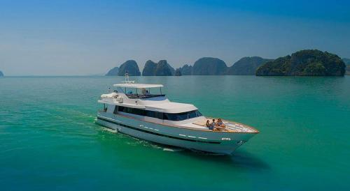 Ajao - Luxury Boat Charter Thailand