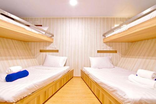 Deep Andaman Queen Quad Cabin