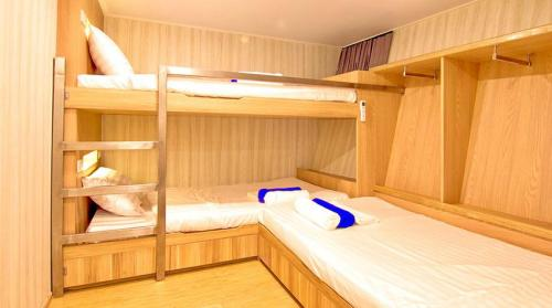 Deep Andaman Queen Triple Cabin