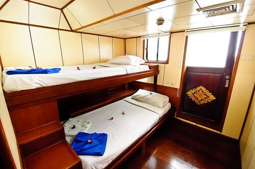 Deep Andaman Queen - Deluxe Twin Cabin