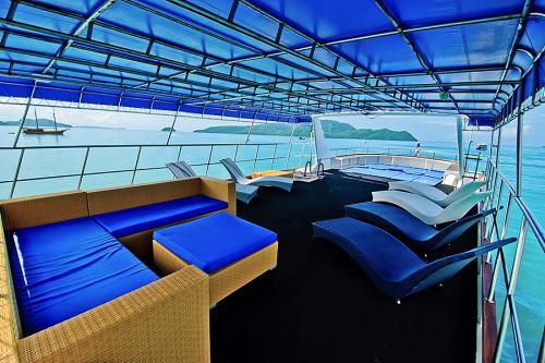 Deep Andaman Queen - Sun Deck