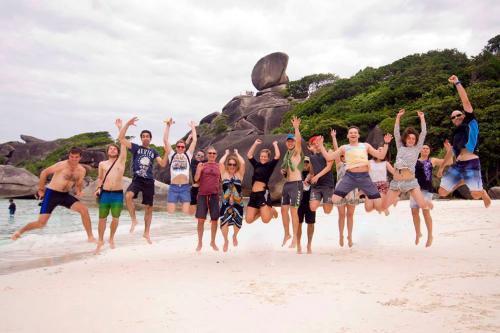 Dolphin Queen - Similan Islands Beach Visit