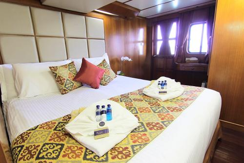 Mermaid 1 - Deluxe Double Cabin