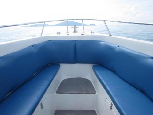 Offspray Seating Sun Deck Bow Area