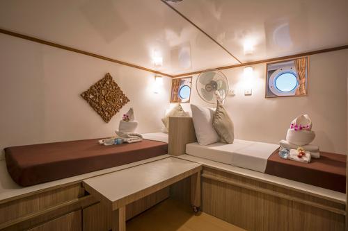Pawara - Standard Twin Cabin