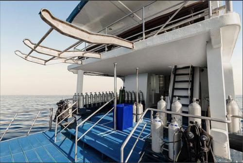 PeterPan Diving Deck
