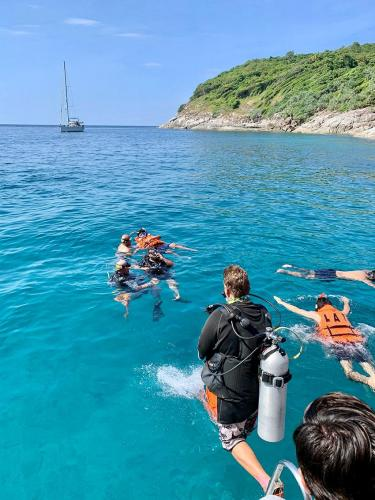 Giant Stride Entry from Phuket Dive Boat