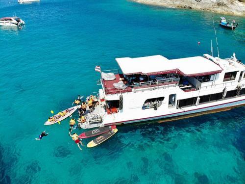 Latitude Dive Boat Phuket