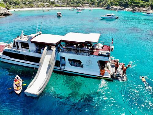Racha Yai Dive and Snorkel Charter