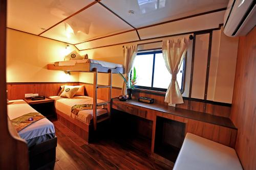 Raja Manta - Deluxe Twin Cabin