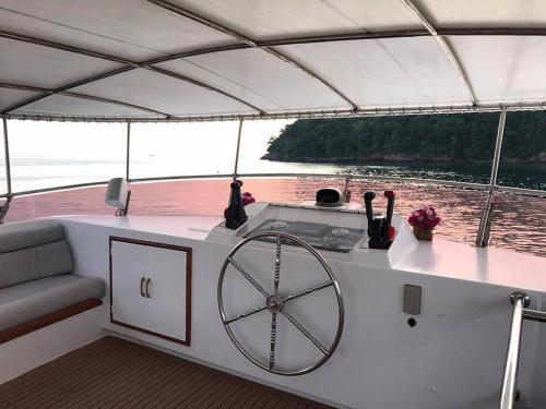 Siam Princess Boat Charter Fly Bridge