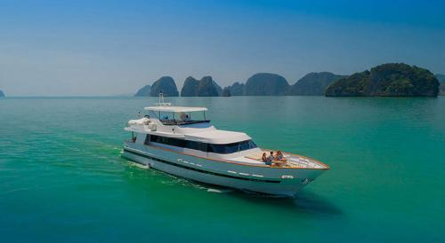 Ajao Luxury Boat Charter Thailand