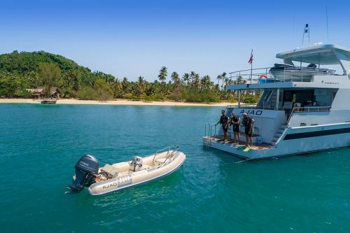 Luxury Diving Charter